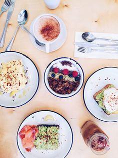 Two hands cafe, avocado toast, acai bowls, brunch, Nolita, NoHo, instagram, latte, manhattan