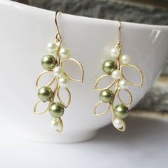 Pearl Leaf Dangle Earrings - Gold Drop Earrings, Wedding Jewelry, Bridesmaid, Bride, Olive Green Ivory Pearl, Leaf Pendant, Personalized によく似た商品を Etsy で探す