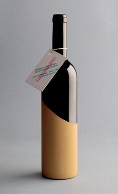 Cantamanyanes, de la tierra a la mesa. Vino de elaboración artesanal, sin intermediarios ni distribuidores. Serie limitada de 600 botellas.
