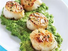 Seared Scallops with Mint Vinaigrette & Green Pea Puree