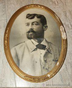 FOTOGRAFIA ANTIGUA ENMARCADA, OFICIAL ESPAÑOL CON UNIFORME DE RAYADILLO, GUERRA DE CUBA, 1895/1898. - Foto 1