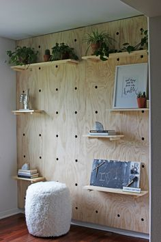 home accents walls This giant pegboard accent wall is trendy and quite practical. Its an eye-catching addition to an office space, kids bedroom or casual bonus room. Wood Feature Wall, Decor, Pegboard Craft Room, Accent Wall, Home Diy, Diy Furniture, Asian Home Decor, Remodel Bedroom, Home Decor