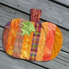pumpkin quilts | Pumpkin Quilt by Toni Swedberg, via Flickr | Weenie