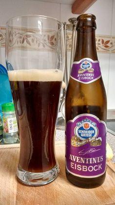 Schneider Weisse Aventinus Eisbock. Aromas potentes y un sabor intenso. Caoba, casi negro. El primer gusto a cerveza afrutada, ciruelas con un toque de almendras amargas. Paladear cada trago dice que no finalice todo su sabor. La espuma no quedó grande, se pierde a una velocidad vertiginosa.  http://www.schneider-weisse.de/index.php?lang=en&tpl=brauerei.spezialitaeten.eisbock