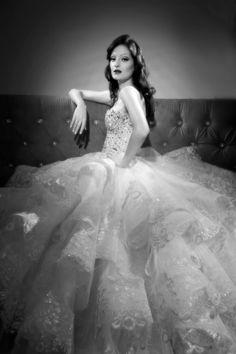 Michael-Cinco Flashy Wedding Dress Michael Cinco Gowns, Bridal Dresses, Wedding Gowns, Dream Wedding, Wedding Things, Wedding Stuff, Pinterest Fashion, Everyday Dresses, Wedding Bells