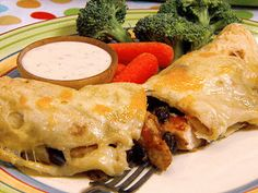 Chicken and Black Bean Enchiladas with Gooey Jack Cheese. These are my new favorite enchiladas, I added enchilada sauce to the recipe the time and was much better. Mexican Dishes, Mexican Food Recipes, Ethnic Recipes, Mexican Meals, Mexican Cheese, Tamales, Cheese Recipes, Chicken Recipes, Yummy Recipes