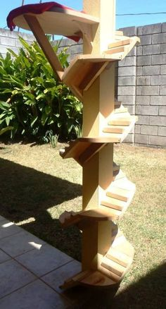 DIY cat climbing post - Good for older cat's or any that can't or won't jump those sometimes fairly large spaced steps.