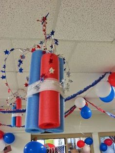 of July ideas - pool noodles wrapped with crepe paper and garland coming out. - of July ideas – pool noodles wrapped with crepe paper and garland coming out the top! 4th Of July Parade, Fourth Of July Decor, 4th Of July Celebration, 4th Of July Decorations, July 4th, 4th Of July Ideas, Patriotic Crafts, Patriotic Party, 4th July Crafts