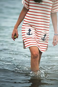 Classy Girls Wear Pearls: August low tide trek to Goat Island lighthouse, Cape Porpoise, Kennebunkport, ME Nautical Outfits, Nautical Fashion, Nautical Dress, Preppy Fashion, Nautical Stripes, Nautical Party, Nautical Style, Curvy Fashion, Fall Fashion