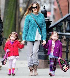 """Sarah Jessica Parker: Twins Loretta, Tabitha """"Like Lots of Books"""""""