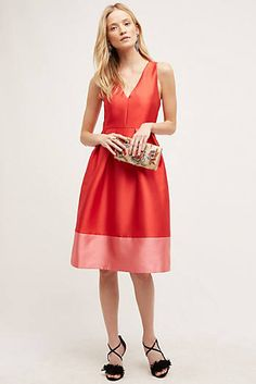 Shop Anthropologie's latest selection of new dresses, from maxi to midi dresses. Shop floral & lace for spring dresses, summer dresses, fall dresses, & winter dresses. Dresses Uk, Spring Dresses, Winter Dresses, Dresses For Sale, Dress Outfits, Nice Dresses, Miami Mode, Anthropologie, Frack