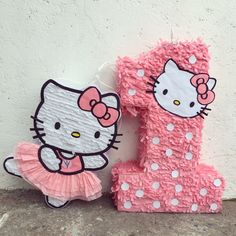 Discover recipes, home ideas, style inspiration and other ideas to try. Hello Kitty Birthday Theme, Cat Birthday, 1st Birthday Girls, 1st Birthday Parties, Happy Birthday, Piñata Hello Kitty, Hello Kitty Pinata, Hello Kitty Themes, Birthday Pinata