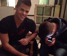 Behind the Scenes of Teen Wolf with Max and Charlie Carver Carver Twins, Max Carver, Aiden Teen Wolf, Teen Wolf Cast, Max And Charlie Carver, Teen Wolf Season 3, Ian Bohen, Colton Haynes, Crystal Reed