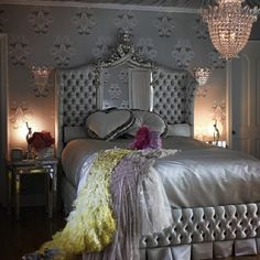 https://flic.kr/p/feBmaU   Atlanta Living! #silver #satin #bed #bedroom #bedding #lighting #queen #princess #decor #Instagram #interiordesign #expensive #Ross #London #eye #prince #palace #stunning #beautiful #day #good #degrees #baby #pookie