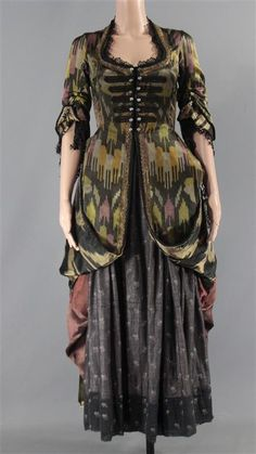 Black Sails. This isMax's (Jessica Parker Kennedy) Screen Worn Wardrobe Set. Item: 3/4 Sleeve Snap-Front Dress, Long Skirt & Shawl. The components of this wardrobe set have been previously worn during production. | eBay!