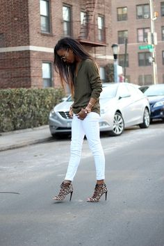 27 looks en pantalones blancos