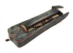 Enångerslira -- The smaller historical hurdy-gurdy from Enånger, Hälsingland, Sweden -- ca. 1700