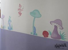 Corredor da escola de ensino infantil. Tema: Corredor das Fadas Feito em tinta acrílica para parede e pigmento.
