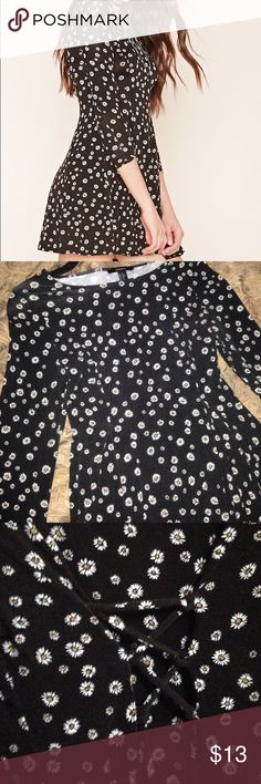 XL Forever21 Daisy Skater Dress Worn only once, no tags. Flattering stretchy daisy dress in XL with back lacing. Perfect for a feminine grunge look! Forever 21 Dresses