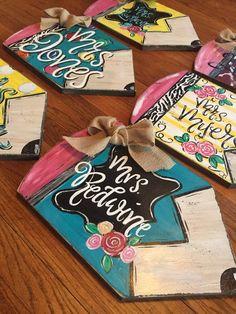 Teacher Gifts From Class, Preschool Teacher Gifts, Teacher Birthday Gifts, Teacher Appreciation Gifts, Diy Cards For Teachers, Teacher Presents, Teacher Tote, Class Teacher, Employee Appreciation