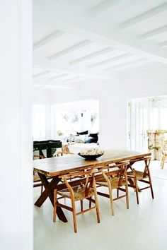sydney dining room with white beamed ceilings / sfgirlbybay