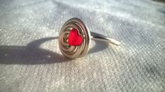 anello wire con piccolo cuore plexiglass di madreperls su Etsy