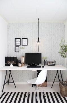 maak zelf een bureau met schragen van Ikea