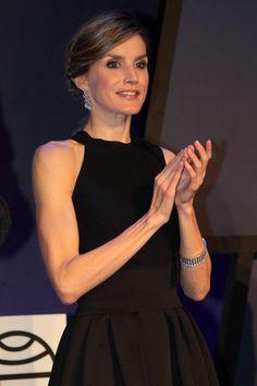 Queen Letizia of Spain Photos Photos - Queen Letizia of Spain attends the '65th Premio Planeta' Literature Award, the most valuable literature award in Spain with 601,000 euros for the winner, at the Palau de Congressos de Catalunya on October 15, 2016 in Barcelona, Spain. - Planeta Awards 2016 - Gala