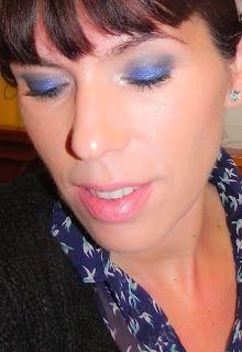 lapinturera - Blog de cosmética, maquillaje y belleza.: Azul intenso para una camisa estampada (Look & outfit)