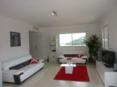 May we present to you http://www.homesud.co.uk/holiday-rentals-apartment-MANDELIEU-fiche-0784-3.html