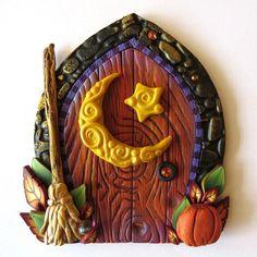Fairy Door, Harvest Moon Autumn Pixie Portal, Home Decor, Fairy Garden… Diy Fairy Door, Tooth Fairy Doors, Diy Door, Polymer Clay Halloween, Polymer Clay Projects, Clay Fairies, Biscuit, Fairy Garden Accessories, Fairy Dolls