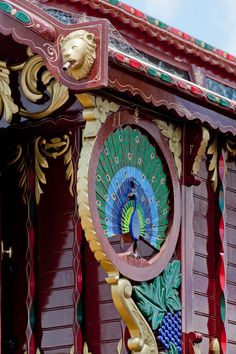 caravan boheme Gallery of Bruce Weier Woodcarving on Gypsy Ledge Wagon Gypsy Style, Boho Gypsy, Boho Hippie, Bohemian Style, Hippie Camper, Gypsy Trailer, Gypsy Home, Gypsy Living, Rv Living