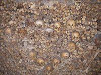 The Catacombs beneath Paris.... eeep