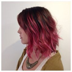 Brown Hair With Pink Highlights, Brown And Pink Hair, Pink Short Hair, Short Brown Hair, Cabelo Ombre Hair, Pink Ombre Hair, Balayage Hair Blonde, Pink Hair Tips, Magenta Hair Colors