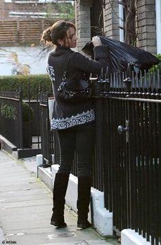 "waity-katie's articles tagged ""duchesse de cambridge"" - Page 5 - Waity-Katie Estilo Kate Middleton, Kate Middleton Outfits, Middleton Family, Kate Middleton Photos, Kate Middleton Style, Prince William And Catherine, William Kate, Princesa Kate Middleton, Before Wedding"
