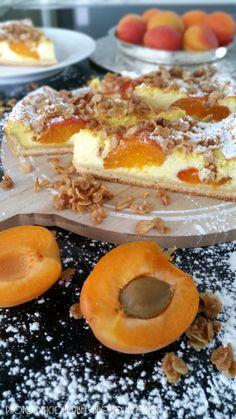 Hallo Ihr Lieben, Heute musste esein schneller Kuchen sein, denn spontan hatten sich Gäste angesagt. Einfach unwiderstehlich schmeckt diese tolle Aprikosen- Käse- Wähe. Schnell war ein Hefeteig z…