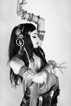 mambba:  (via Zoe Jakes Tribal Dance Tagged Photos from Ana Paulina (Angra Daena) on Myspace)