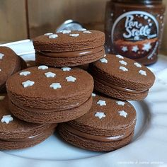 biscotto cacao pan stelle ripieno Sugar Cookies Recipe, Cookie Recipes, Dessert Recipes, Biscotti Cookies, Food Tags, Italy Food, Italian Cookies, Cupcakes, Cookie Designs