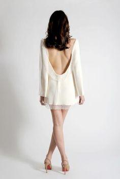 robe courte mariée blanche  http://lamarieeencolere.com/post/23787776940/robemariee