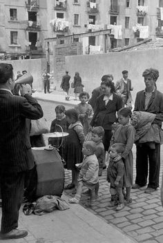 Magnum Photos -  Henri Cartier-Bresson // SPAIN. Barcelona. 1953.