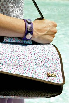 Álex Llana (@Alex__Llana) del blog Boga by Alex Llana de picnic con su Snailbag Amaia Chocolate. Snailbag everywhere you go! #Snailbag #lunchbag #tuppertime #tupper #picnic #healthy #moda #chic #MadeInSpain #ShopOnline http://bogabyalexllana.blogs.elle.es/picnic-in-cac/