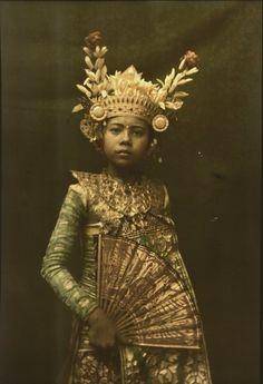 Child dancer wearing gilded crown, Bali - 1928. Photo: Franklin Price Knott.