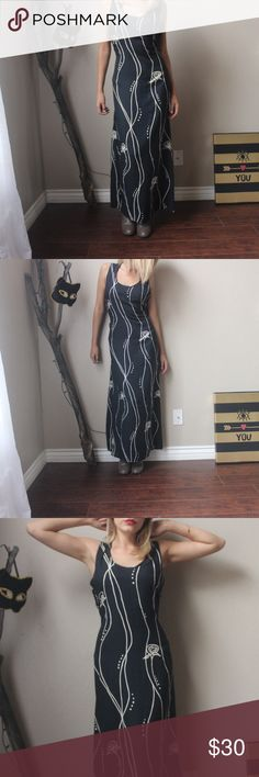 Amazing Long Vintage Dress From Connie Choi  size xl has adjustable straps on the back  100% rayon black and white  roses prints. Vintage Dresses