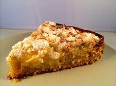 veganer Apfel-Marzipan-Kuchen. Hat bisher jeden umgehauen und ist eine unserer zehn liebsten Köstlichkeiten für den veganen Kaffeklatsch.