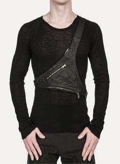 Obscur - HV14-11 Waxy Guidi Leather Triangular Harness Bag https://cruvoir.com/obscur/3543-hv14-11-waxy-guidi-leather-triangular-harness-bag-black