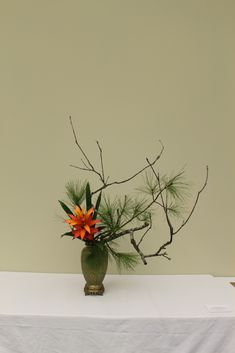 While home for Christmas and my winter break, I did something that I still can't quite believe I did. I had my first solo ikebana exhibit!...