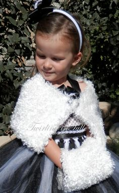 White faux fur muff for the flower girl