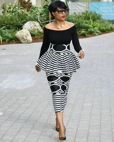 African fashion is available in a wide range of style and design. Whether it is men African fashion or women African fashion, you will notice. African Inspired Fashion, African Print Fashion, Africa Fashion, Fashion Prints, African Fashion Traditional, Traditional Outfits, African Print Dresses, African Fashion Dresses, African Dress