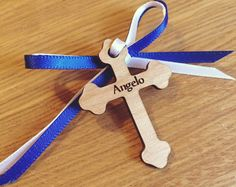 Bautismo Martirika - Cruz de madera - testigo Pins - personalizados con nombre bebé