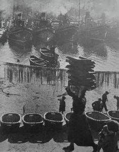 EU-topías: Robert Capa, las paradojas de un fotógrafo bipolar en la Guerra Civil española.  Puerto de Bermeo.